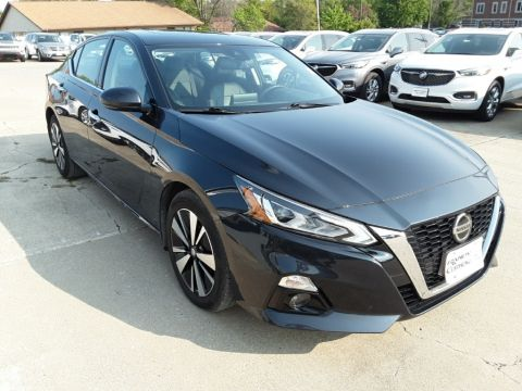 Pre-Owned 2019 Nissan Altima 2.5 SL FWD 4D Sedan